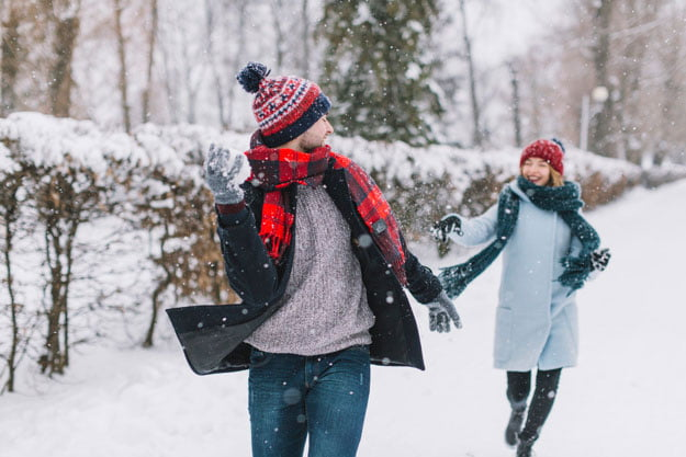 5 Ways to Effectively Chase Someone You Like (2021 Updated)